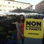 """Greenpeace in piazza in 18 città invita a giocare con Mistery Food: """"Non mangiamoci il Pianeta!"""""""