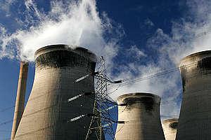 Ferrybridge Power Station in the UK. © Steve Morgan / Greenpeace