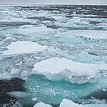 Sversamenti e temperature record: l'Artico è sotto attacco