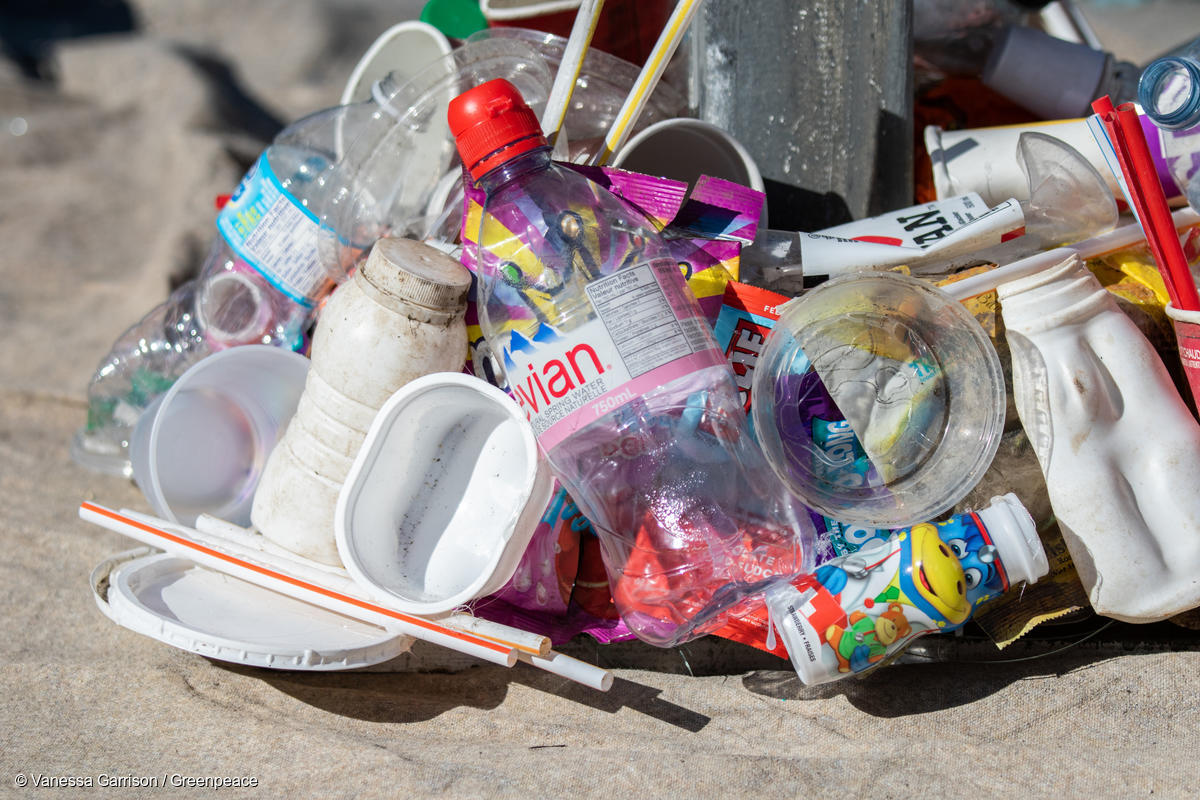 まずは輸出と焼却をやめる!「減プラスチック方針」を政府に提言