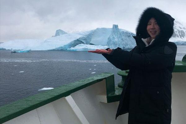 남극에 도착한 그린피스 현지원 커뮤니케이션 담당자