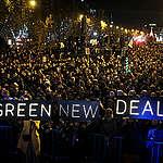 """그린피스, 문재인 대통령에게 '그린뉴딜 도입' 촉구 비공개 서한…조명래 환경부 장관 """"관련 정책 깊이 검토"""" 답장"""