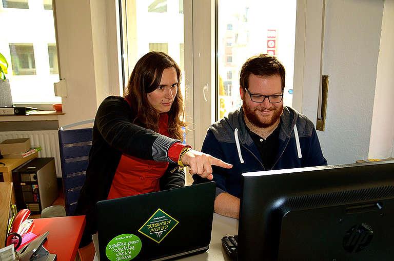 Deux cyber-activistes Greenpeace