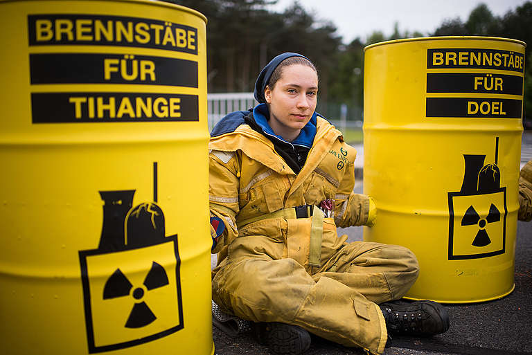Protest against Nuclear Fuel Rods from GermanyProtest gegen Kernbrennstaebe aus Deutschland