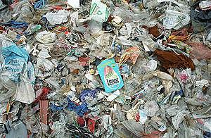 Plastic waste dump, Jakarta, Indonesia. © Mark Warford