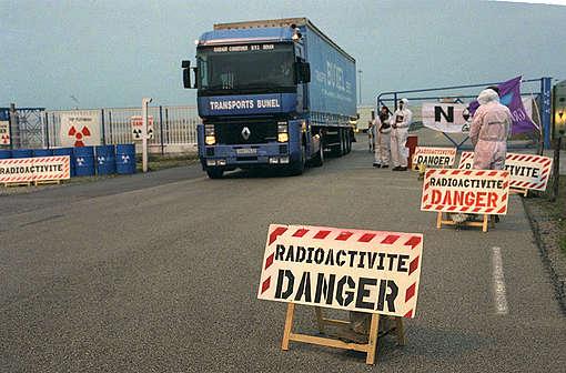 Action de Greenpeace contre la reprise des déchets de plutonium à Cogema, France (1997)