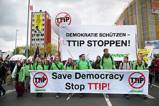 Demonstration Against TTIP in Hannover. © Michael Löwa / Greenpeace
