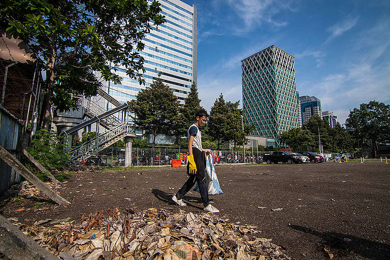 Clean Up Jakarta Day. © Dhemas Reviyanto / Greenpeace