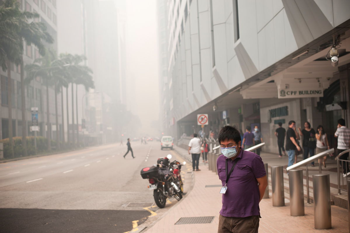 Singapore Haze Pollution Hits an All-Time High. © Nguyen Tuan Anh / Greenpeace