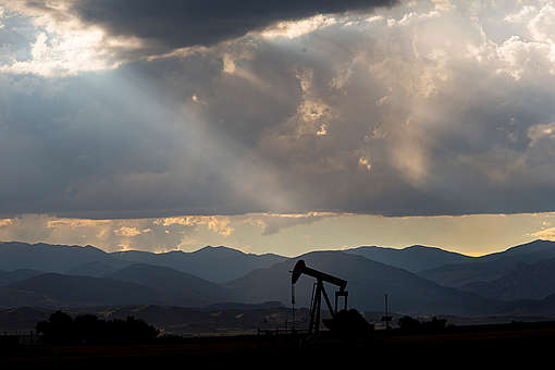 Oil Jackpump in Colorado. © Les Stone