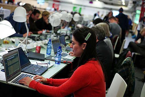 COP21 : Naomi Ages inside Le Bourget. © Christophe Calais / Signatures / Greenpeace