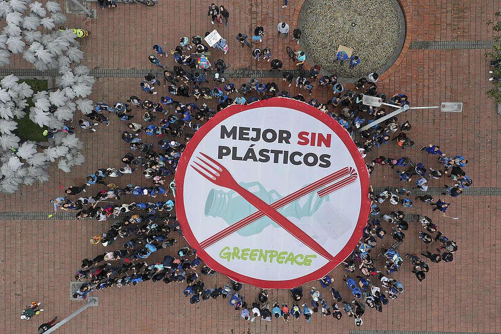 Marcha contra el plástico en Bogotá © Juan Diego Cano / Greenpeace