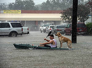 Hurricane Harvey Flooding Rescue in Texas. © Mannie Garcia / Greenpeace