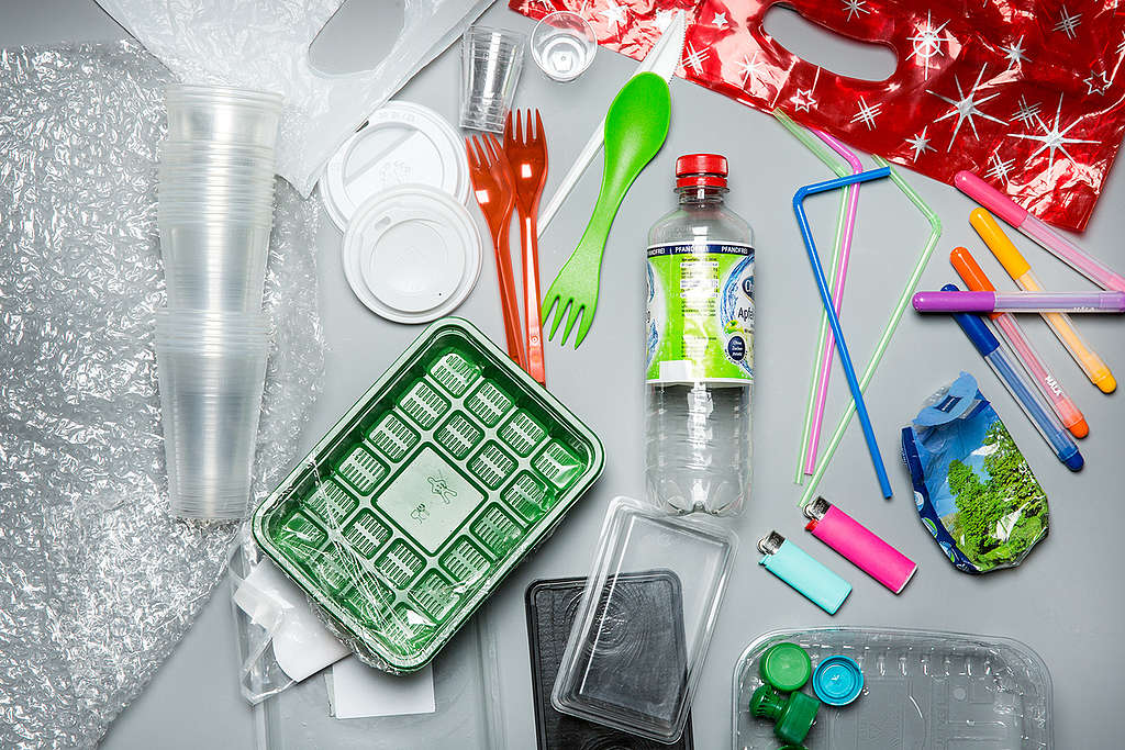 Product Shot of Plastic Items. © Fred Dott / Greenpeace
