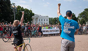 Bike Around the Bomb Event in Washington DC. © Livia Ferguson / Greenpeace