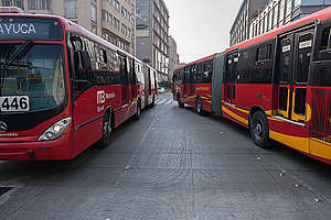 Mexico City Metrobus. © Keith Dannemiller / Greenpeace