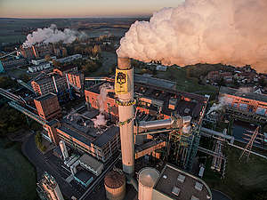 Coal Banner at Oldest Coal Power Station in Germany. © Greenpeace
