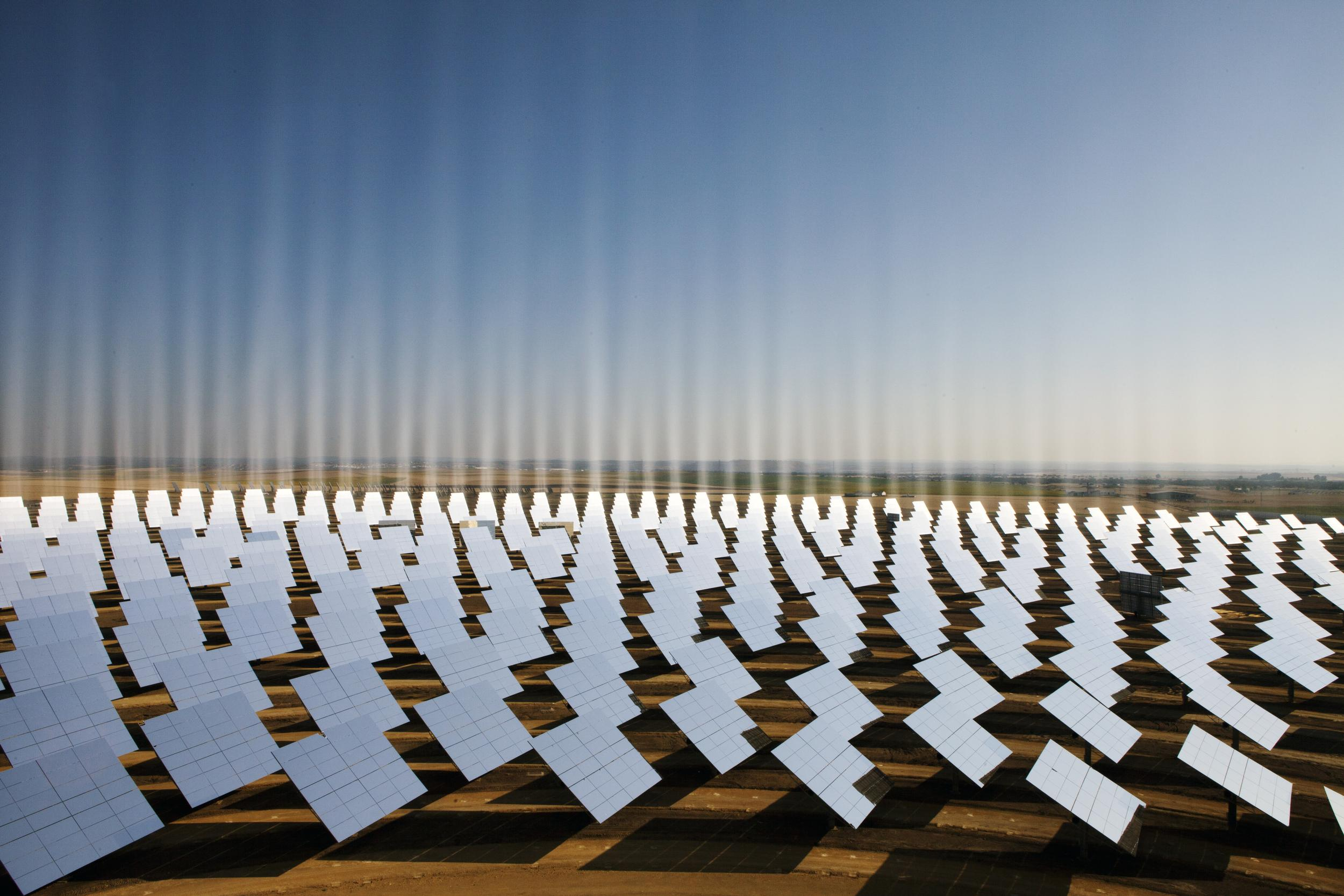 PS10 Solar Tower Plant in Spain. © Markel Redondo / Greenpeace