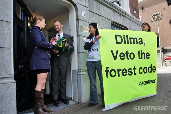 Actie bij Braziliaanse ambassade