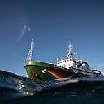 Greenpeace schepen hele weekend in Amsterdam te bezichtigen