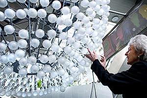 Low Energy Light Bulb Chandelier in The Hague . © © Greenpeace / Joël van Houdt