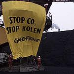 Climate Action COP6 in Rotterdam. © Greenpeace / Ben Deiman