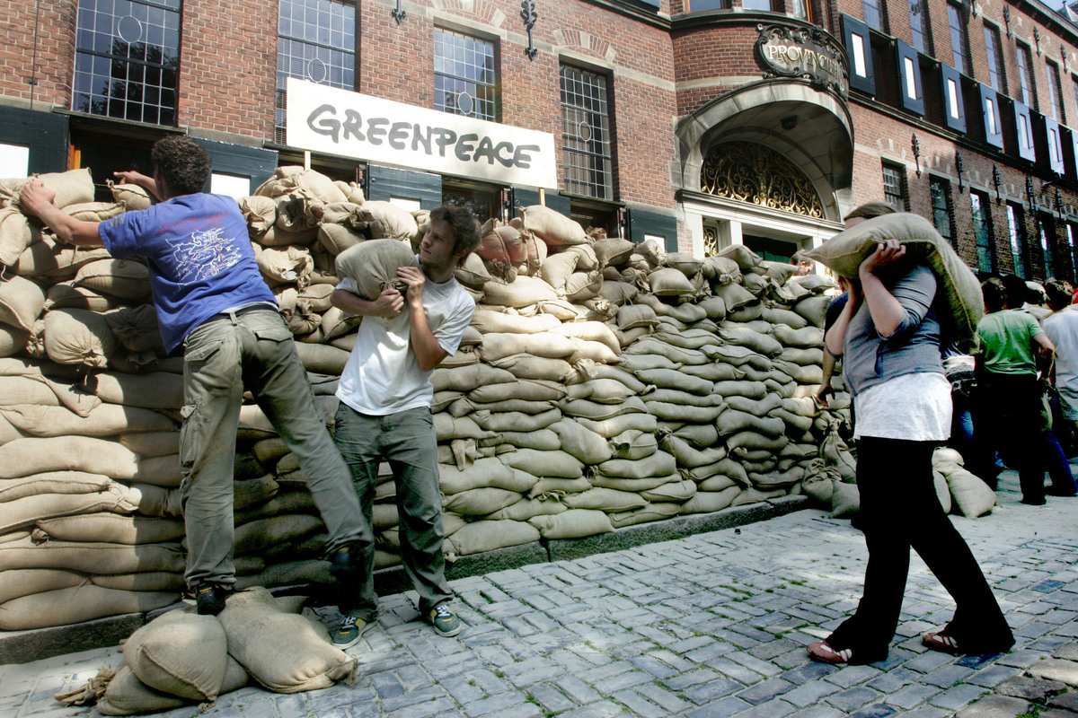 Klimaatactie Kolencentrales in Groningen . © Greenpeace / Karel Zwaneveld