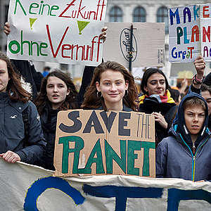 200 environmental and human rights leaders pledge to tackle climate emergency together