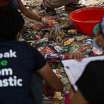 Clean-up and Brand Audit in Cebu City. © Greenpeace / Grace Duran-Cabus