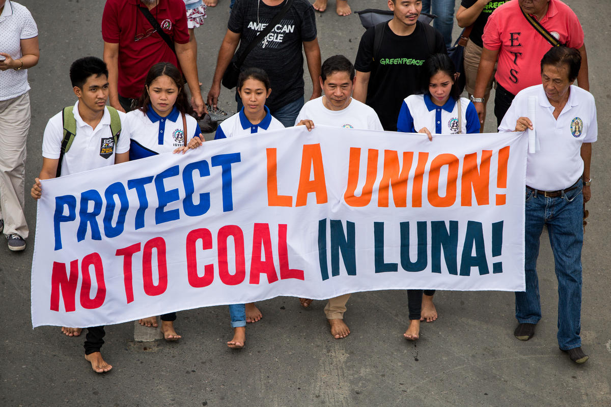 Break Free from Fossil Fuel Activity in La Union, Philippines. © Geric Cruz / Greenpeace