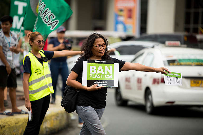 Voters Education Campaign in Manila. © Geric Cruz / Greenpeace