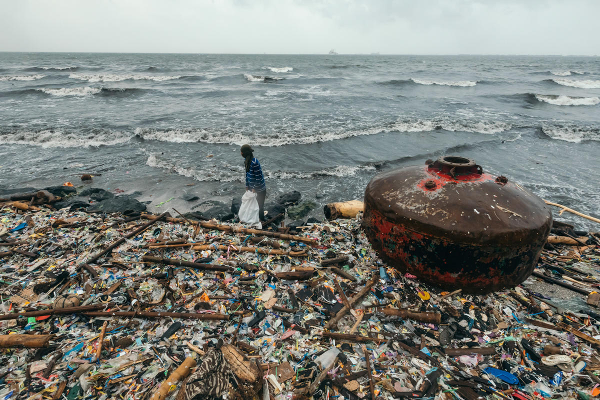 Plastic Waste in Manila Bay. © Jilson Tiu / Greenpeace