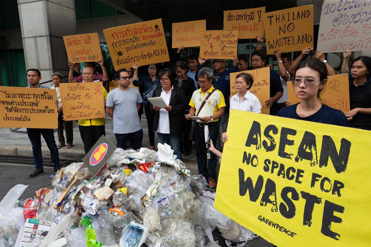 ASEAN: No Space For Waste Activity in Bangkok. © Wason Wanichakorn / Greenpeace