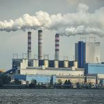 Elektrownia Solorza-Żaka z pozwoleniem na dalsze trucie. Co zrobi minister Kurtyka?