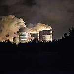 PGE odchodzi od węgla, ale o co najmniej dekadę za późno.