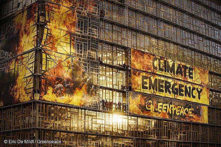 Consensul UE asupra neutralității climatice nu justifică amânarea acțiunilor climatice urgente