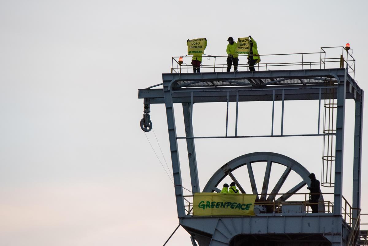 Action at Coal Mine in Nováky Slovakia. © Tomas Halasz / Greenpeace