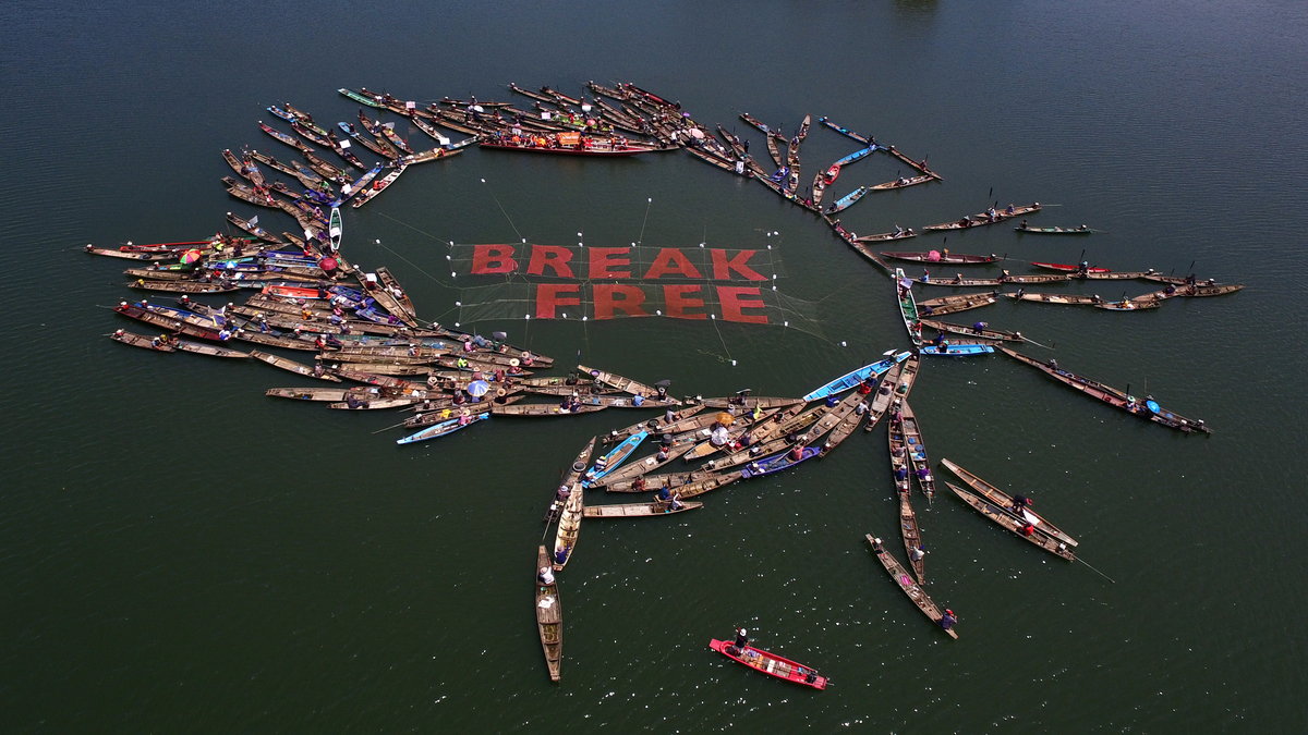 Thai Communities join Global Break Free Activities against Fossil Fuels. © Arun Sooksukpai / Greenpeace