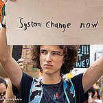 Vláda navrhuje uvoľnenie kontroly klimatických cieľov, mimovládky žiadajú nápravu