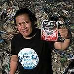 Zakaj se pridružujem Greenpeaceovima ladjama pri boju zoper plastično onesnaževanje