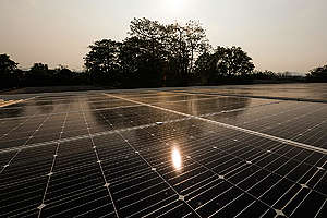Solar Rooftop at Kaeng Khoi Hospital. © Baramee  Temboonkiat / Greenpeace