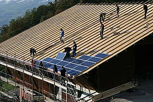 Solar System Installation in Oberdorf. © Greenpeace
