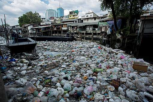 Plastic Waste in Bangkok's Canals. © Chanklang  Kanthong / Greenpeace