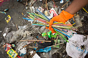 Freedom Island Waste Clean-up and Brand Audit in the Philippines. © Daniel Müller / Greenpeace