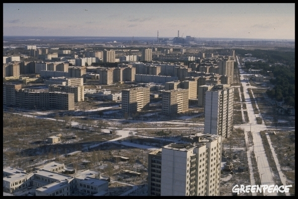 The deserted city of Pripyat.  © Clive Shirley / Signum / Greenpeace