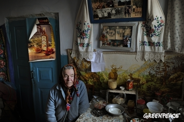 Life in the 3-mile-wide safety zone around Chernobyl.  © Jan Grarup / Noor / Greenpeace