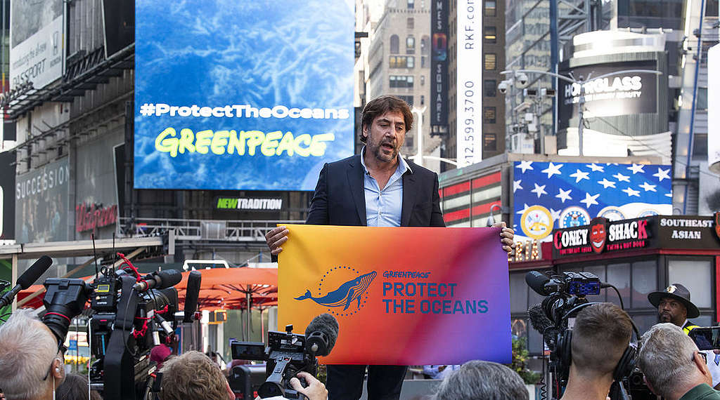 Javier Bardem Campaigns for Global Ocean Treaty in New York. © Jason Miczek / Greenpeace