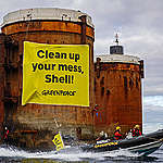 Shell försöker dumpa oljeplattformar till havs trots 20-årigt förbud  – Greenpeace återupptar protester till havs i Nordsjön