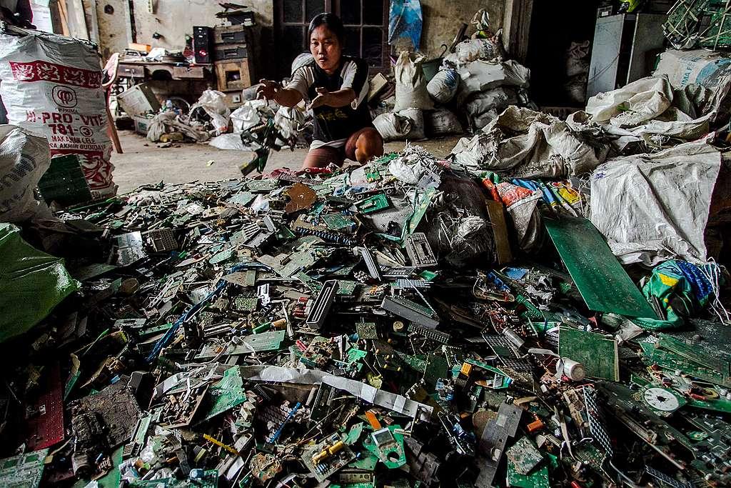 Rapport Greenpeace: les dégâts de 10 ans de smartphone