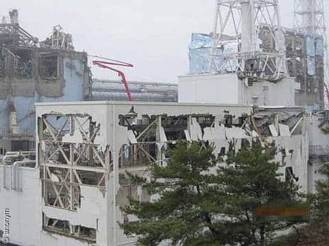Zerstörte Reaktorgebäude in Fukushima, Nahaufnahme